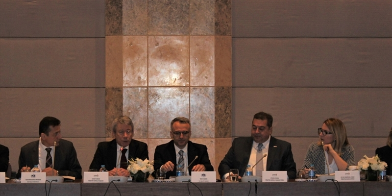 Naci Ağbal, Turkish Minister of Finance, Gathered with YASED Members